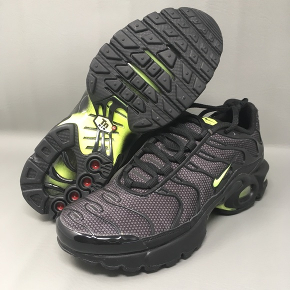 acheter populaire 42273 a2b92 Nike Air Max Plus TN Tuned 1 GS Youth Black New NWT